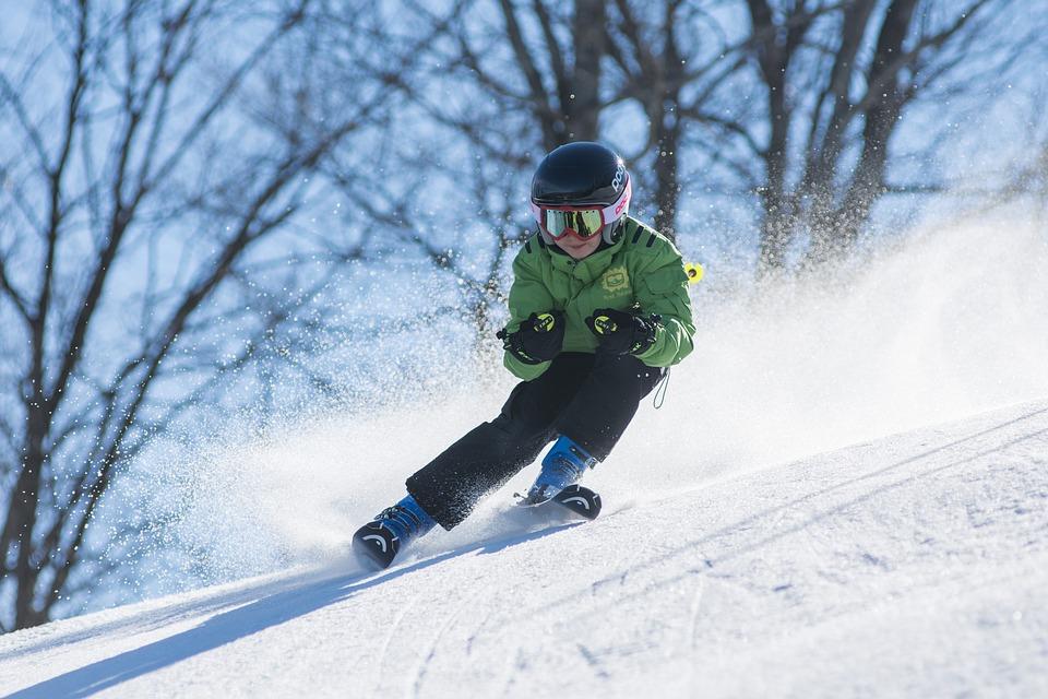 Juiste uitrusting voor een veilige skivakantie